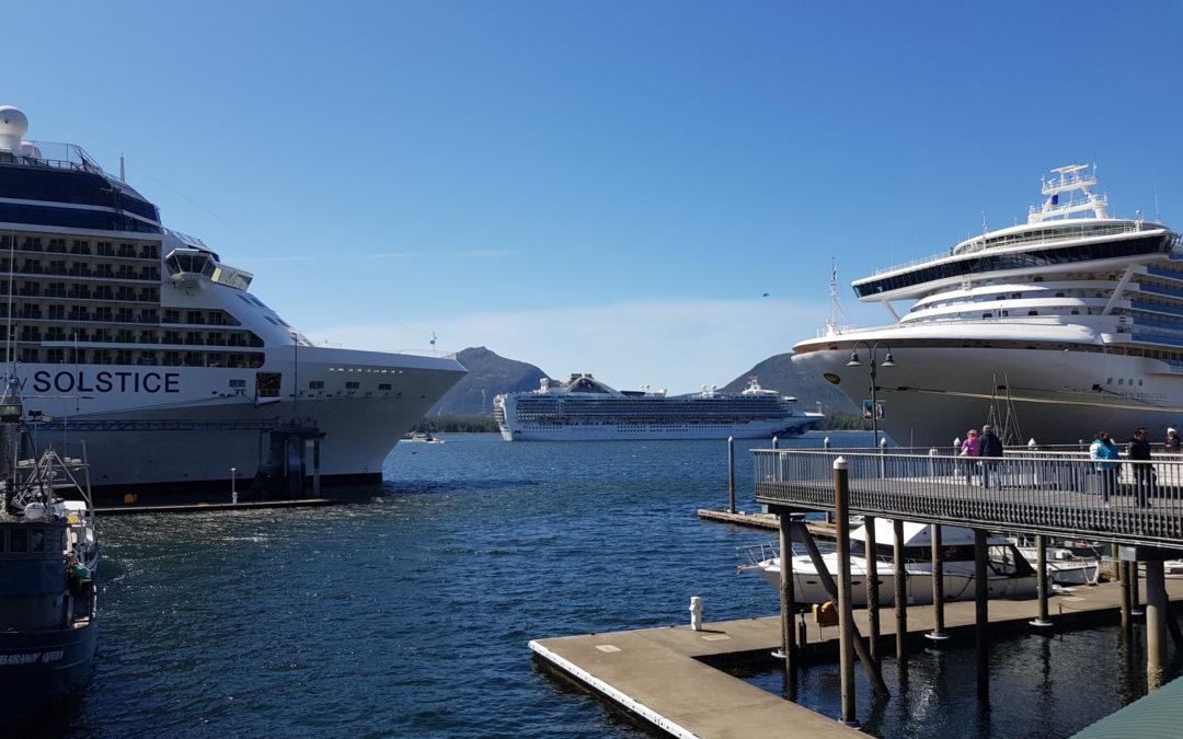 Cruise ship devant Ketchikan